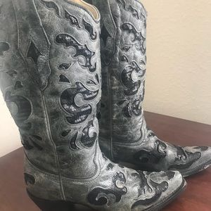 Corral Vintage cowboy boots! Size 7.5. Like new!